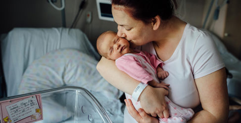 На что обратить внимание в первые дни жизни ребенка?